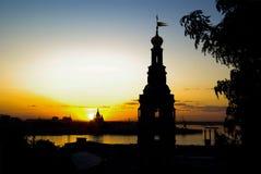Igrejas na noite e na skyline horizontais Imagem de Stock Royalty Free