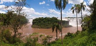 Iguacu在阿根廷巴西下跌 库存照片