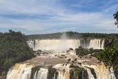 Iguacu (Iguazu) cae en una frontera del Brasil y de la Argentina Fotografía de archivo