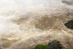 Iguacu (Iguazu) tombe à une frontière du Brésil et de l'Argentine Images libres de droits