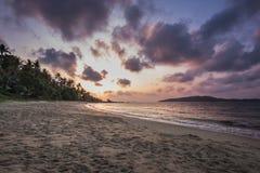 Igualación de la atmósfera de la playa imagenes de archivo