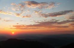 Igualación de la vista coloreada de horizontes azules Fotos de archivo libres de regalías
