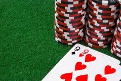 Igualdad de nines y de algunas virutas de póker Fotografía de archivo libre de regalías