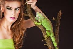 Iguane de femmes Photo libre de droits