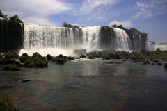 Iguassu (Iguazu ; Automnes d'Igua?u) - grandes cascades à écriture ligne par ligne Image stock