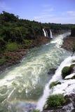Iguassu (Iguazu ; Automnes d'Igua?u) - grandes cascades à écriture ligne par ligne Image libre de droits