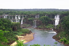 Iguassu (Iguazu; Iguaçu) Dalingen - Grote Watervallen Royalty-vrije Stock Foto's