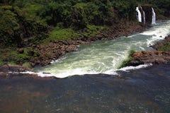 Iguassu (Iguazu; Igua?u) Dalingen - Grote Watervallen Royalty-vrije Stock Foto