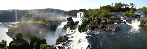 Iguazu Falls 1 panoramique Photo libre de droits