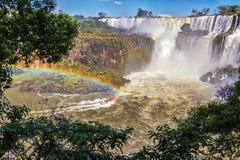Iguazu Falls fartyginställningar Fotografering för Bildbyråer