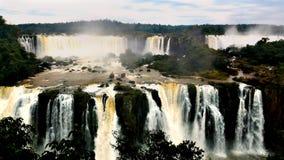 Iguazu ((Iguassu; Iguaçu)) Nedgångar Brasilien Royaltyfria Foton