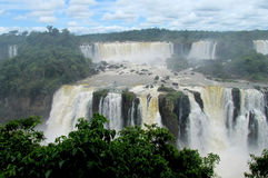 Iguazu (Iguassu) nedgångar Arkivbilder