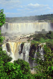Iguazu siklawy na granicie Argentyna i Zdjęcia Royalty Free