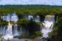Iguazu Spada lub Iguassu Spada w Brazylia. Kaskada siklawy ja Fotografia Stock