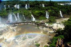 Iguazu valt - bekijk van de kant van Brazilië Stock Afbeelding