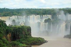 Iguazu vattenfall på gränsen av Argentina och Fotografering för Bildbyråer
