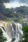 Iguazu vattenfall på gränsen av Argentina och Royaltyfri Foto