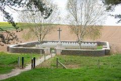 Ihålig kyrkogård Frankrike för järnväg Arkivfoto
