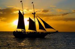 ii seglar solnedgång Royaltyfria Bilder