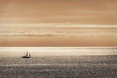 III allein segeln Lizenzfreie Stockfotos