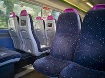 Iinterior-Ansicht eines C2C-Zugs in London stockfotos