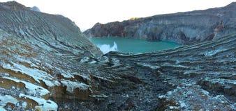 Ijen erosion för sjökrater, East Java, Indonesien Royaltyfria Bilder