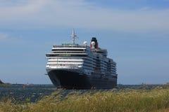 IJmuiden, los Países Bajos - 5 de junio de 2017: Reina Victoria, Cunard Imágenes de archivo libres de regalías