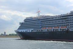 IJmuiden, los Países Bajos - 5 de junio de 2017: Reina Victoria, Cunard Fotos de archivo
