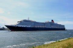 IJmuiden, los Países Bajos - 5 de junio de 2017: Reina Victoria, Cunard Imagen de archivo
