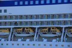 IJmuiden, os Países Baixos - 29 de abril de 2017: Embarcações de Aida Luna Safety foto de stock royalty free