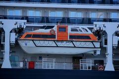 IJmuiden, os Países Baixos - 5 de junho de 2017: Rainha Victoria, Cunard, canoas de salvação Fotografia de Stock Royalty Free