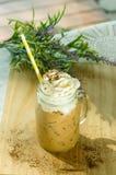 Ijs coffe met chocoladereep Royalty-vrije Stock Afbeeldingen