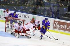Ijs-hockey spel de Oekraïne versus Polen Royalty-vrije Stock Foto