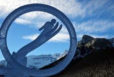 Ijs magisch festival die vertegenwoordigend het ski?en snijden Meer Louise in het Nationale Park van Banff, Alberta, Canada royalty-vrije stock afbeeldingen