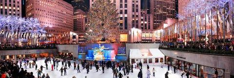 Ijs-schaatsende van het Centrum van Rockefeller piste Stock Afbeelding