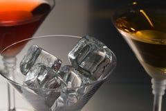 Ijs voor cocktail Stock Afbeeldingen