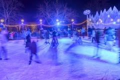 Ijsbaan in tijd 03, Stuttgart van de Kerstmismarkt Royalty-vrije Stock Foto's