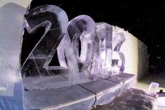 Ijsbeeldhouwwerken in icehotel Stock Afbeeldingen