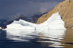 Ijsberg - de Fjord van het Noordwesten - Groenland Stock Fotografie
