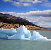 Ijsberg in het meer van Argentinië royalty-vrije stock afbeelding
