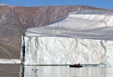 Ijsberg in Scoresbysund in Groenland Stock Foto