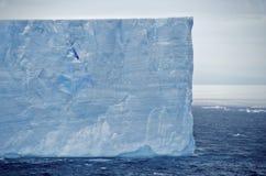 Ijsberg in tabelvorm Antarctica Royalty-vrije Stock Foto's