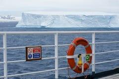 Ijsberg in tabelvorm Antarctica Royalty-vrije Stock Foto