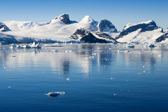 ijsbergen royalty-vrije stock afbeelding