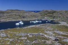 Ijsbergen in de Baai van Sargent ` s, Fogo-Eiland Stock Afbeelding