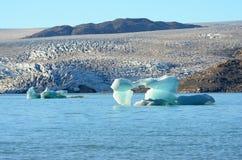 Ijsbergen die in de Atlantische Oceaan, Groenland drijven royalty-vrije stock afbeelding