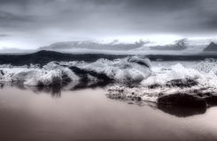 Ijsbergen die voor onweer voorbereidingen treffen Royalty-vrije Stock Fotografie