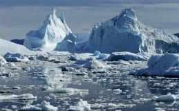Ijsbergen in Groenland royalty-vrije stock afbeeldingen