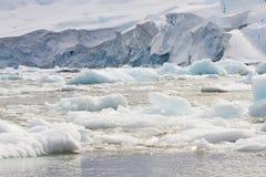 Ijsgebied langs de kustlijn van Antarctica Royalty-vrije Stock Fotografie