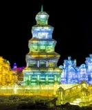 Ijsgebouwen bij de het Ijs en de Sneeuwwereld van Harbin in Harbin China Stock Afbeelding
